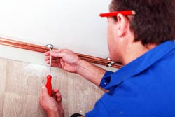 plumber in etobicoke home providing plumbing services