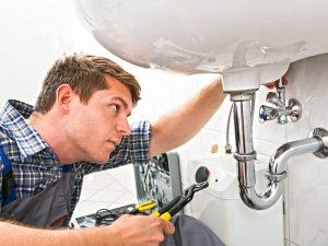 Thornhill plumber repairing sink